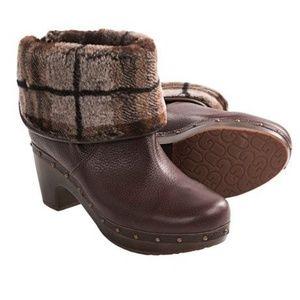 UGG Cora Lynn Plaid Brown Leather Clog Booties 11